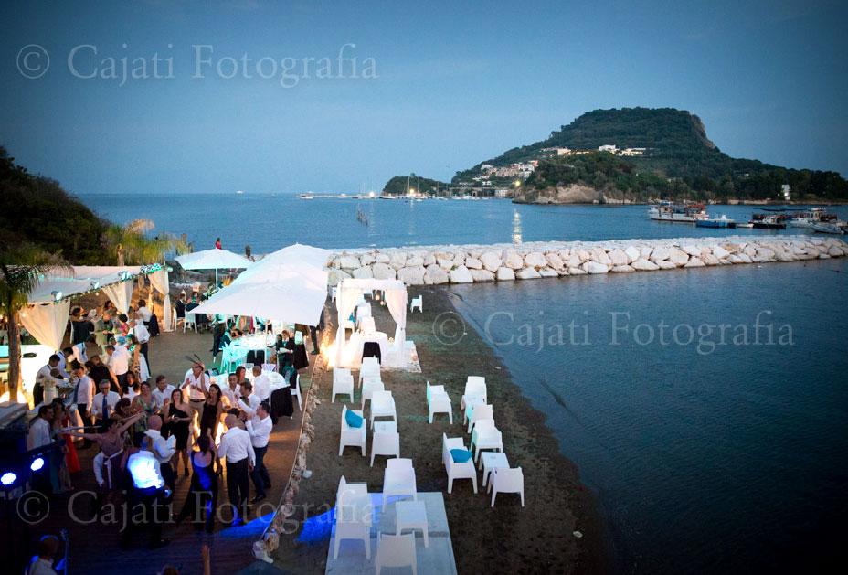 Matrimonio Spiaggia Napoli : Reportage matrimonio in spiaggia villa scalera per