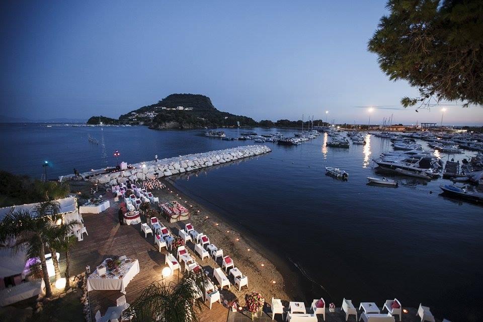Location Matrimonio Spiaggia : Villa scalera per matrimoni bacoli ricevimenti